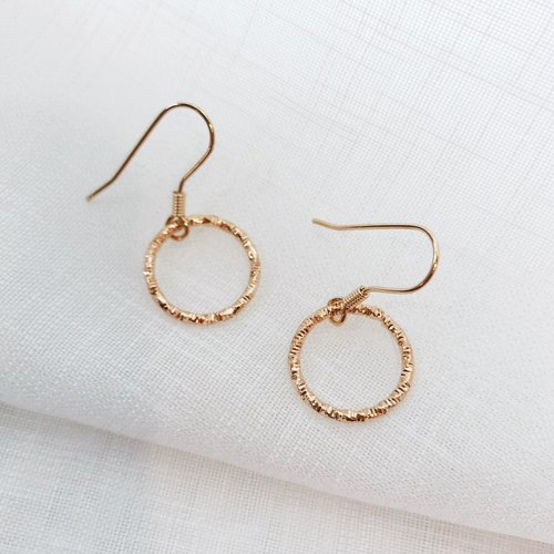 Small Hoop Circle Retro Golden Color Earrings  can change to Clip on