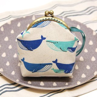 Rolia's hand made blue whale mouth gold pack