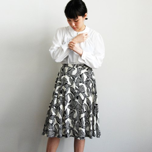 Ancient print skirt