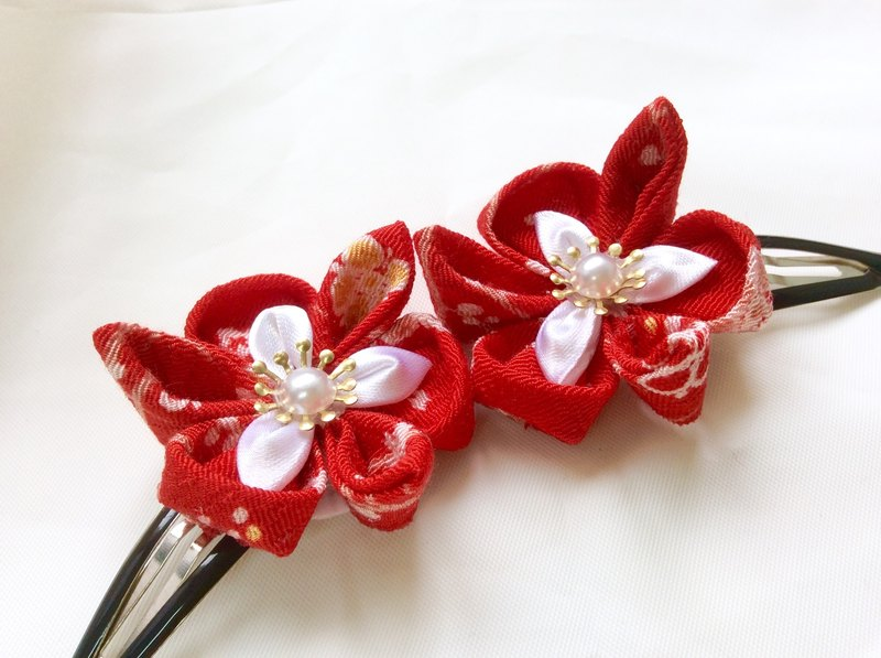 Kanzashi green red ribbon flower hairclip (つまみ細工)