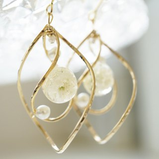 Pearl earrings / earrings of muffled grass and twin rings