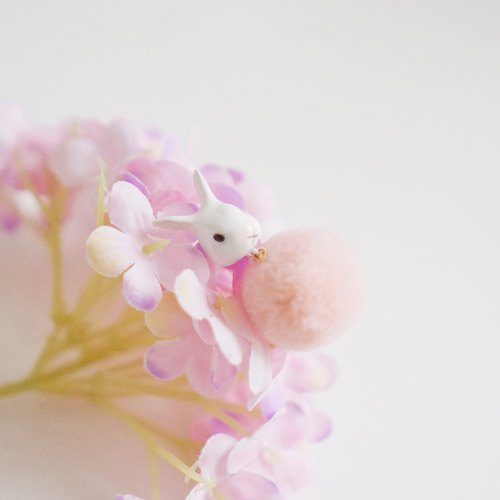 [One Angle Forest] Little White Rabbit Hairball Single Stud Earrings / Ear Clip