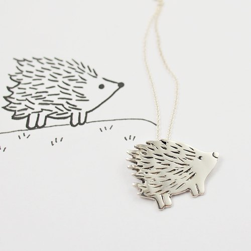 Children's painting accessories / Little hedgehog necklace