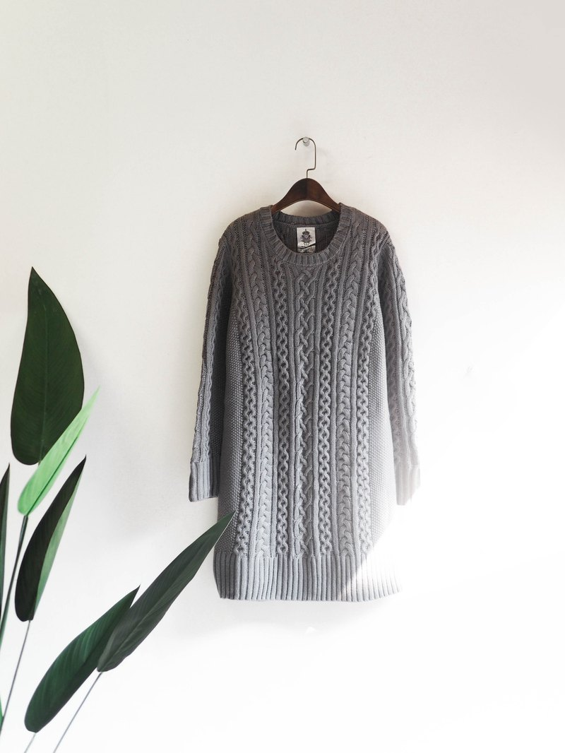 Shallow light gray chain twist twist classic face love winter antique coarse woven three-dimensional long version vintage sweater vintage
