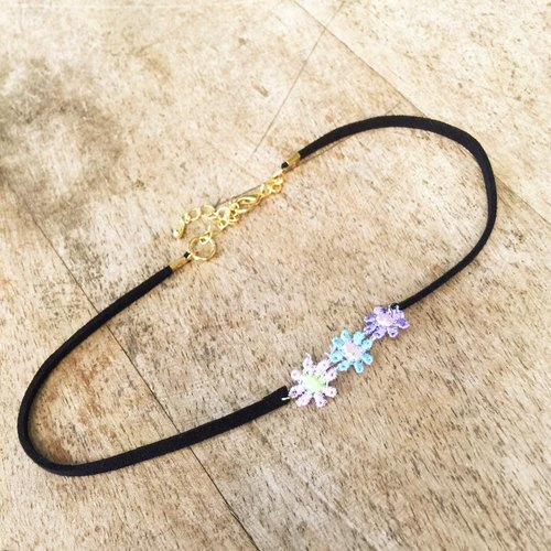 Flowers suede necklace