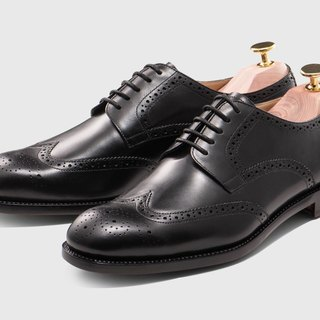 Black carved five hole Derby shoes Goodyear suture handmade