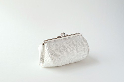 [With pure white silk band and Swarovski bijou] Cosmetic pouch, large pouch, gift women, band remake