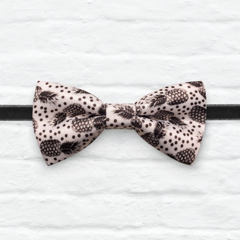 Style 0342 Black and white Pineapple Bowtie - Wedding Bowtie, Gift for Him, Toddler Bow tie, Groomsmen bow tie, Pre Tied and Adjustable Novioshk