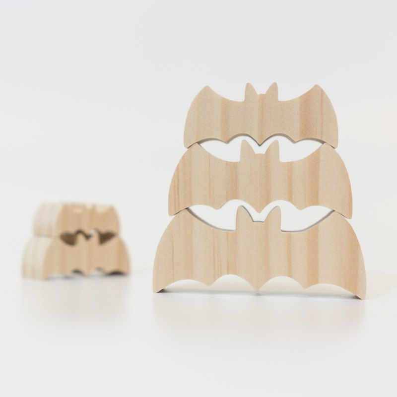wagaZOO hand cut thick shape building blocks sky series - Wufu Linmen (bat)