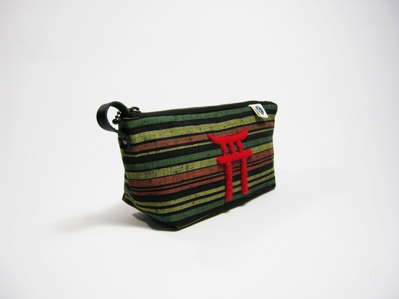 ● Meng Meng felt Torii (Japan striped cloth) __ as for zuo zuo handmade wool felt hand bag