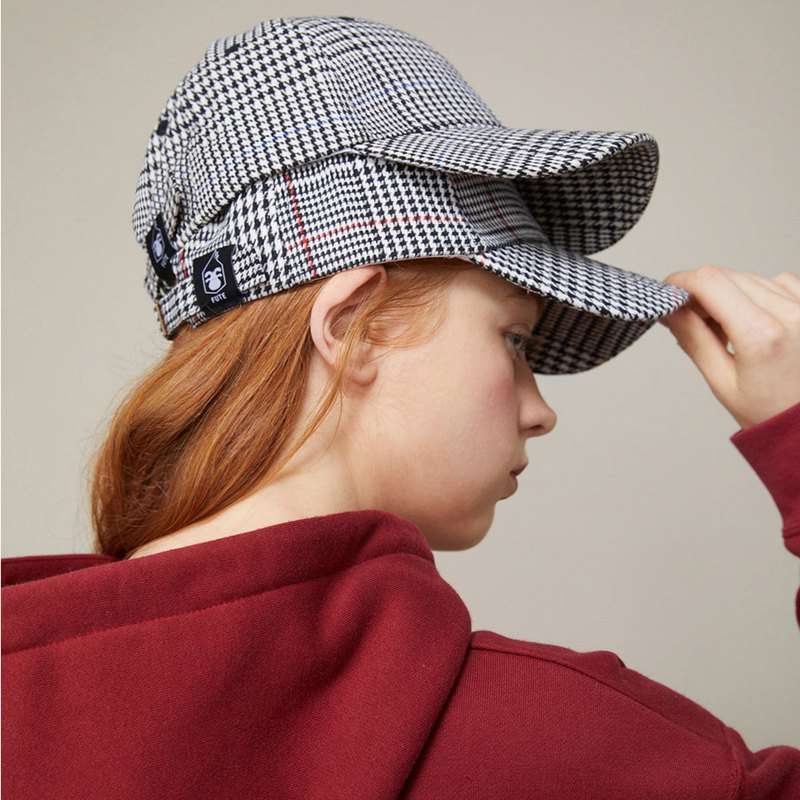 Houndstooth Adjustable Cotton Baseball Cap / Black/White/Red