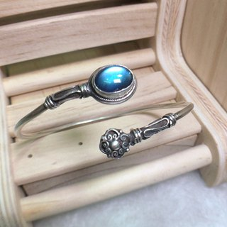 Labradorite Bangle traditional Nepali Design Handmade in Nepal 92.5% Silver