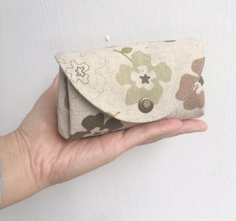 [Good Day Handmade] Christmas Day Gift Exchange Small Flower Clutch (Green)