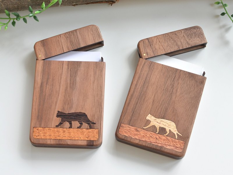 Wooden business card holder / walnut / Walking cat