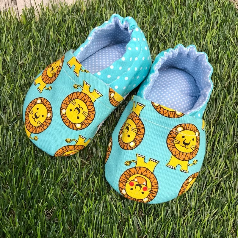 Lion toddler shoes