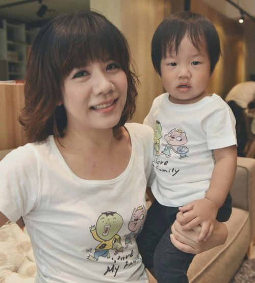 8 yuan brother │ female short T-I Love My Family T-Shirt (Limited + Pre-order)