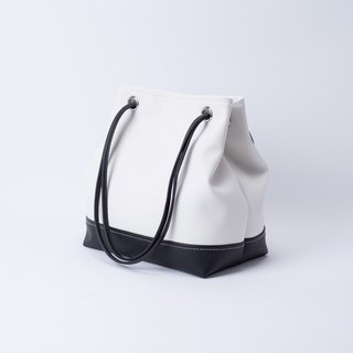 Good texture color bucket bag portable dual back white x black