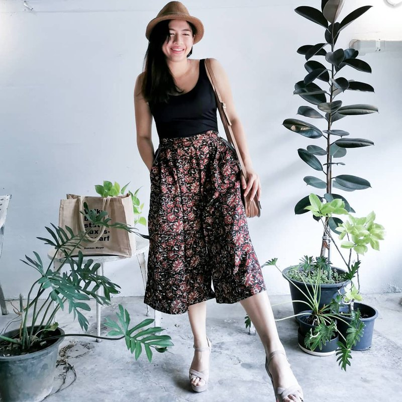 Floral hand block printed cotton skirt-pants