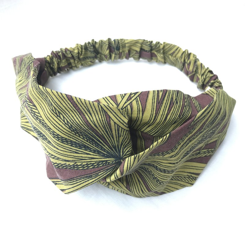 Vintage cannabis leaf cross hair band