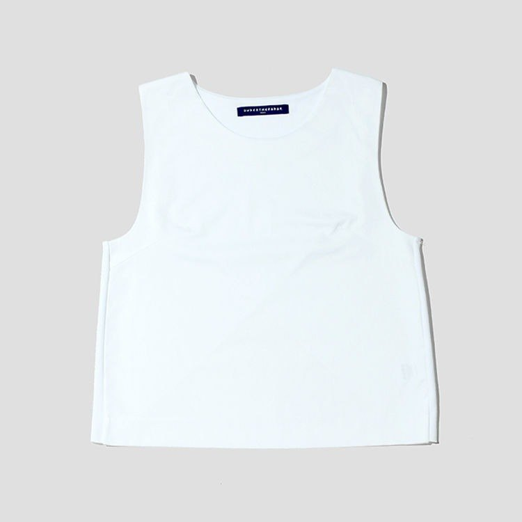 When in love with cotton knit sleeveless shirt / white