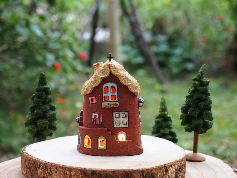 【Lighted House】 Tatar hand made - lovely home / Ceramic Lighted House (excluding wood accessories with hand-made tree, owl) Order Order