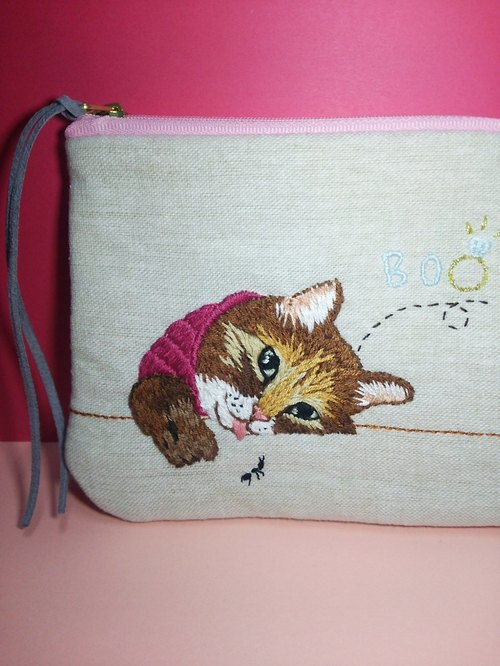 Hand embroidery bo-ring cat pouch