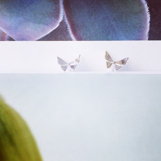 925 sterling silver 翩翩 flying dance [big butterfly ear needle]