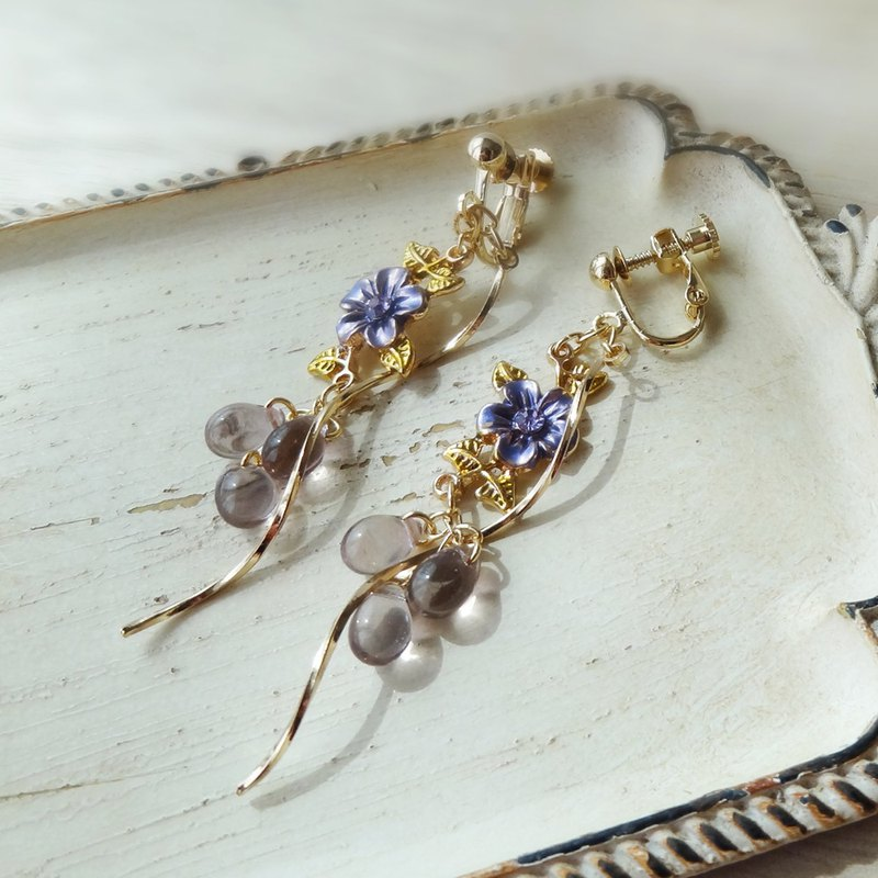 Purple violet of antique style Earrings