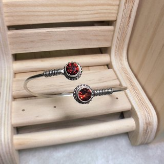 Garnet Bangle in double stone Handmade in Nepal 92.5% Silver