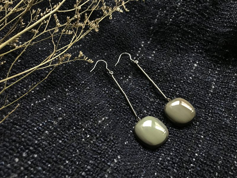 Simple retro glass beads earrings