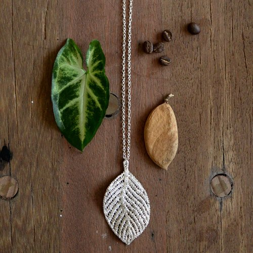 Lace Leaf - Long sweater chain
