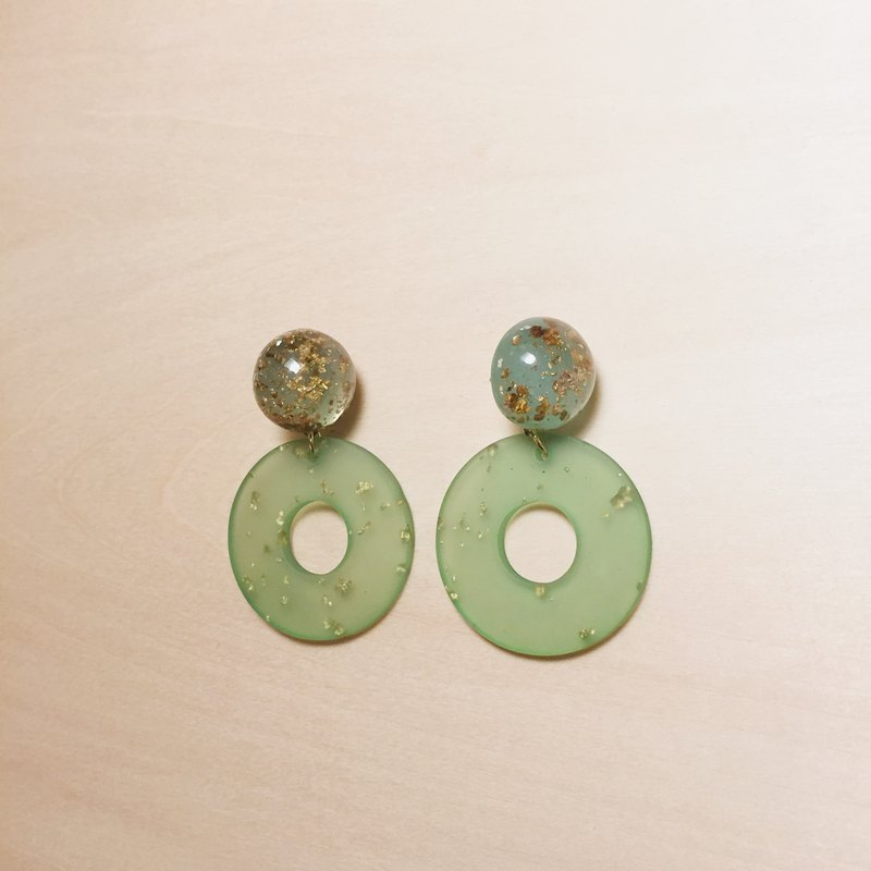 Vintage green gold foil ball round earrings