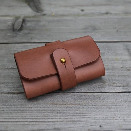 """CANCER Popular Laboratory"" cowboy gentleman series (brown) - removable key case"