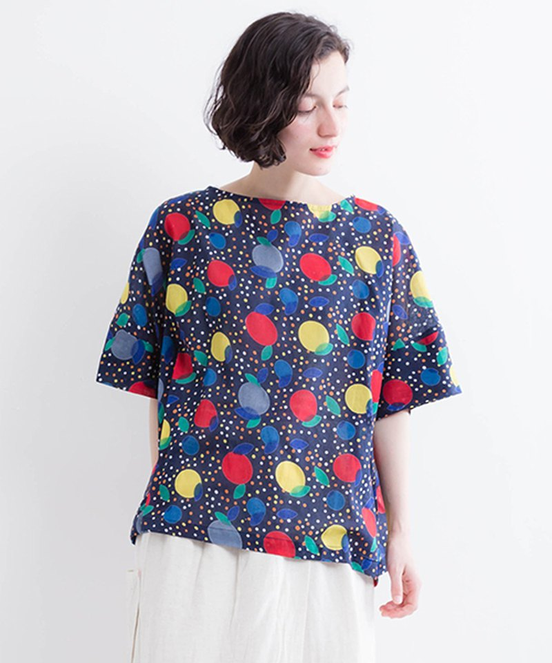 Multi-dot print short sleeve blouse