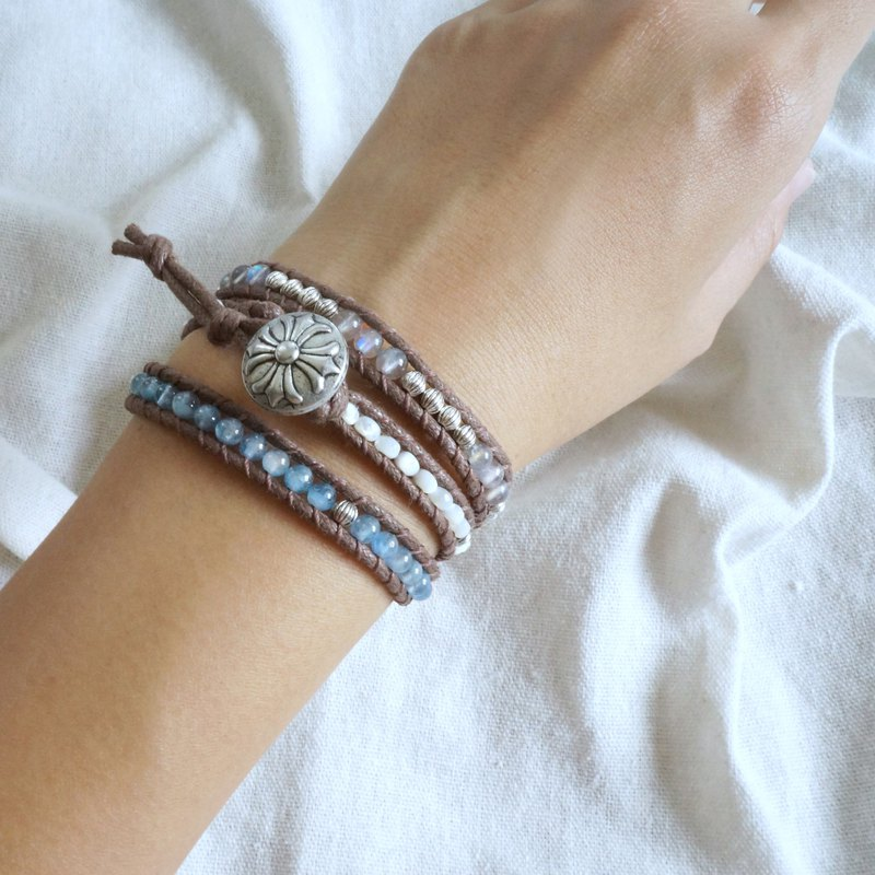 Natural stone woven bracelet - the sea is three circles of sea sapphire / moonstone / shell beads resort wind