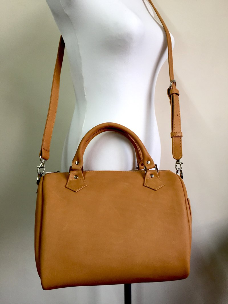[Leafed leather] leather Boston bag / portable / shoulder / diagonal / leather /