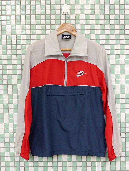♦♦ ◈ invincible children music vintage Japanese input line ◈ ♦♦ classic vintage old school NIKE half chain nylon sweatshirt