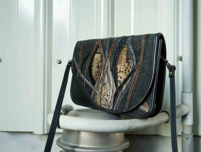 European Treasure Hunting Antique Bag - Art Nouveau Different Material Stitching Envelope Side Back Leather Square Bag