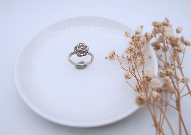 Small rose sterling silver ring