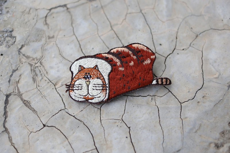 a toast jeep cat embroidery pin