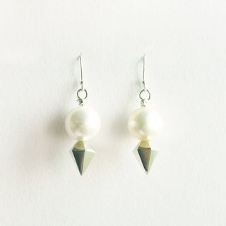 ∥Cheng Jewelry // TAL dew which I silver pearl hook earrings