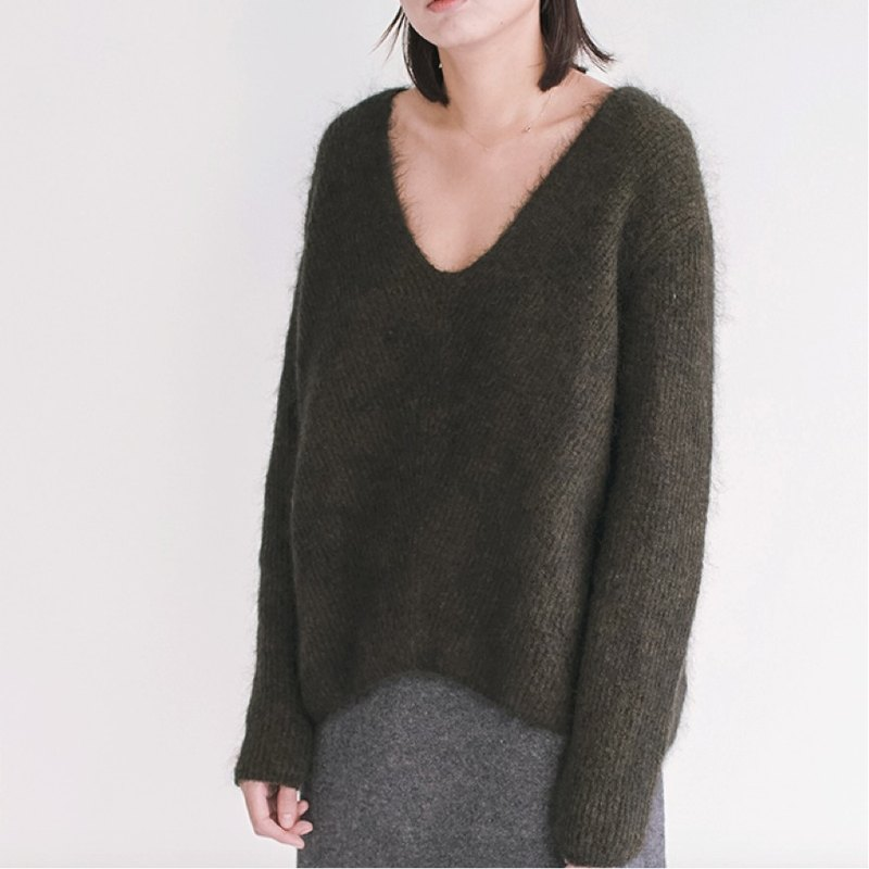 Olive green little green Italy imported mohair V-neck pullover sweater big names with the heavy import material lightweight warmth desperate effort | vitatha 番 塔塔