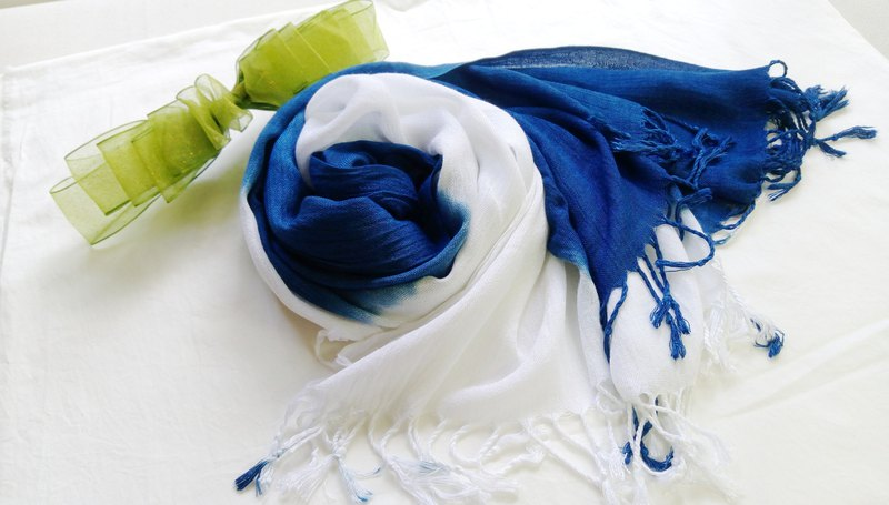 Blue dyed simple wind scarf