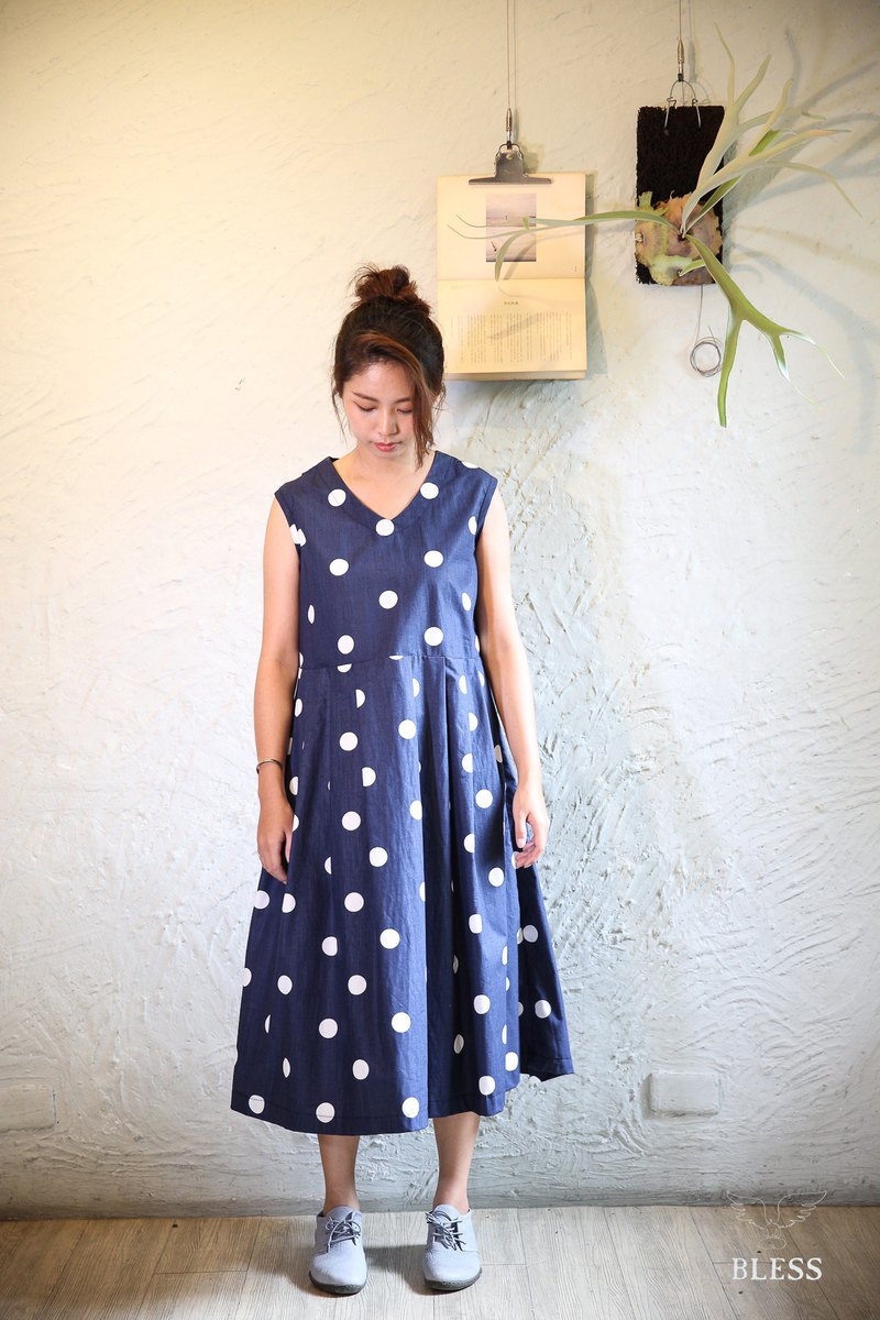 Natural cotton hand made a little bit of long dress