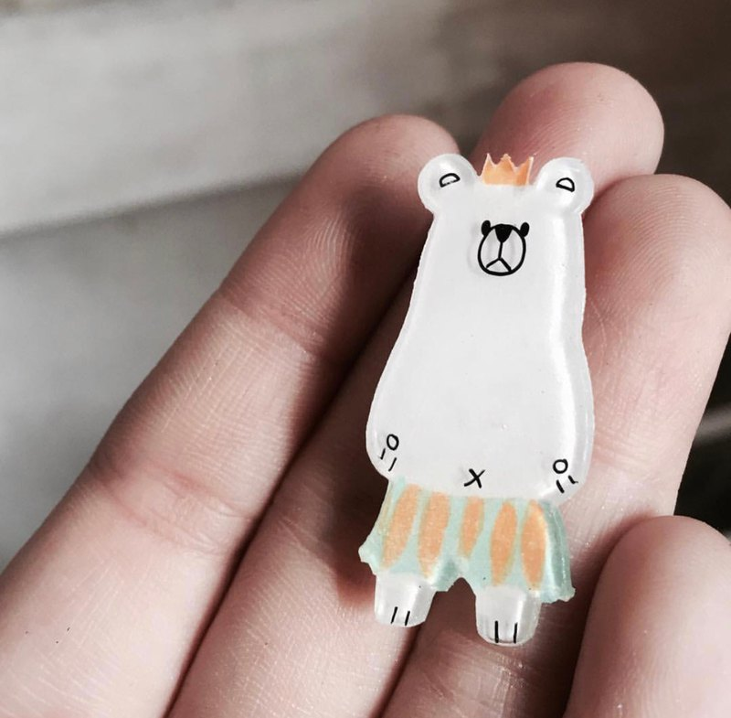 White bear brooch
