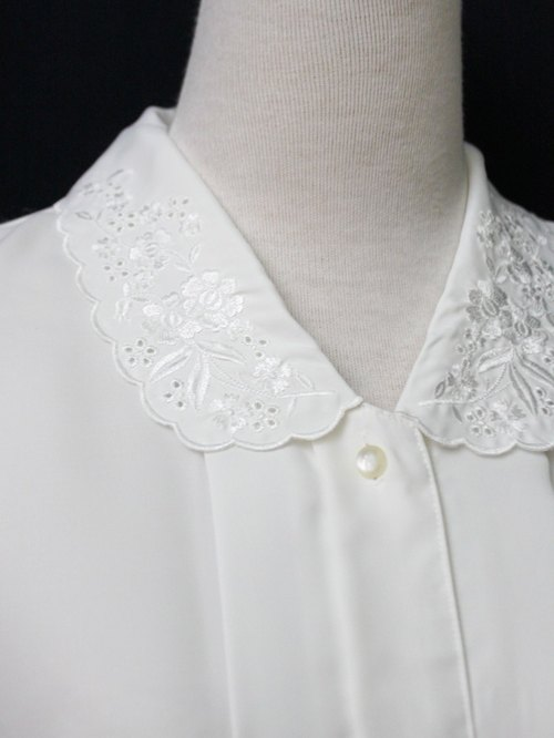 [RE0407T1954] Nippon Department of Forestry retro embroidered flowers lapel loose white vintage blouse