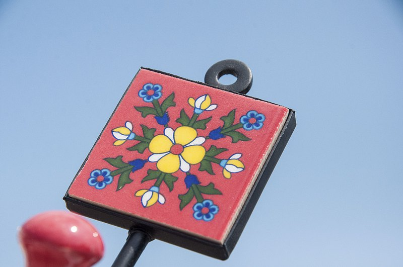 British retro hand-painted ceramic hook / ceramic hook / ceramic window hook-Spanish style flower vine