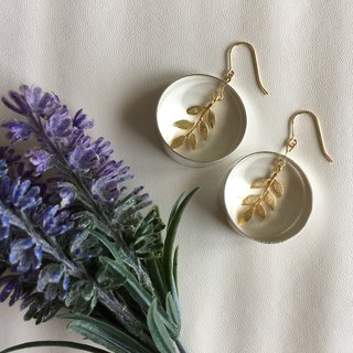 14k gold-plated Silver Circle Gold Leaf Earrings