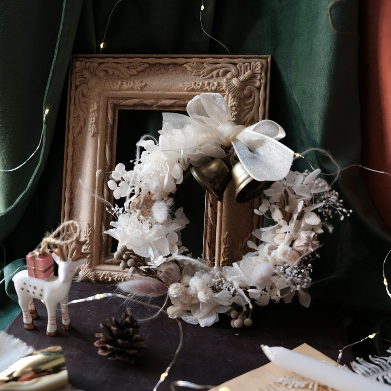【ワークショップ】Grey and white eternal flower Christmas wreath handmade course