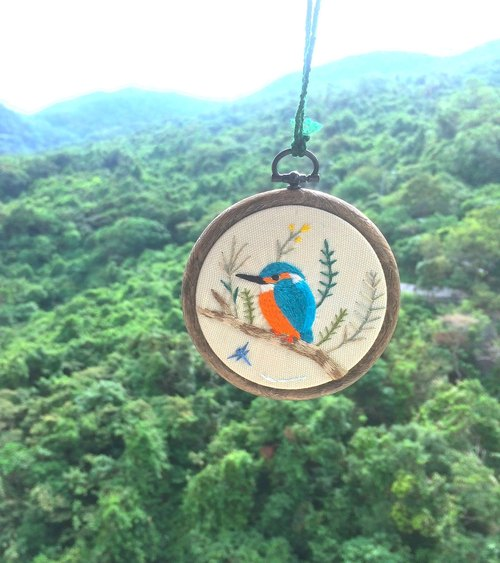 Wild bird x flower embroidery